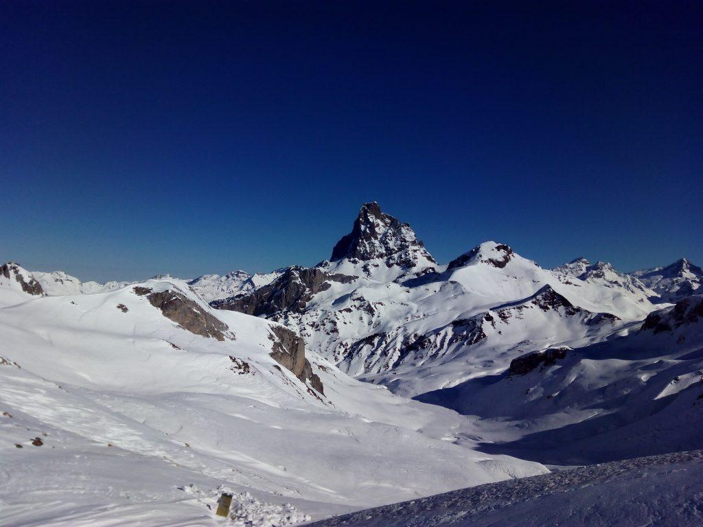 Montaña invernal